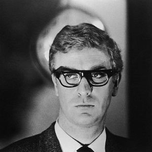 Michael Caine nel film The Ipcress File