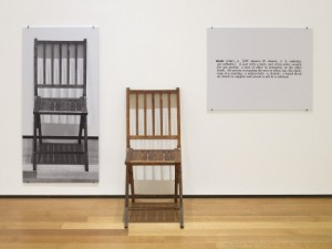 Joseph-Kosuth, One and three chairs